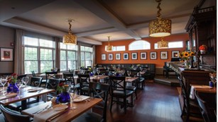 Skye Bistro at Lawnfield Inn and Suites