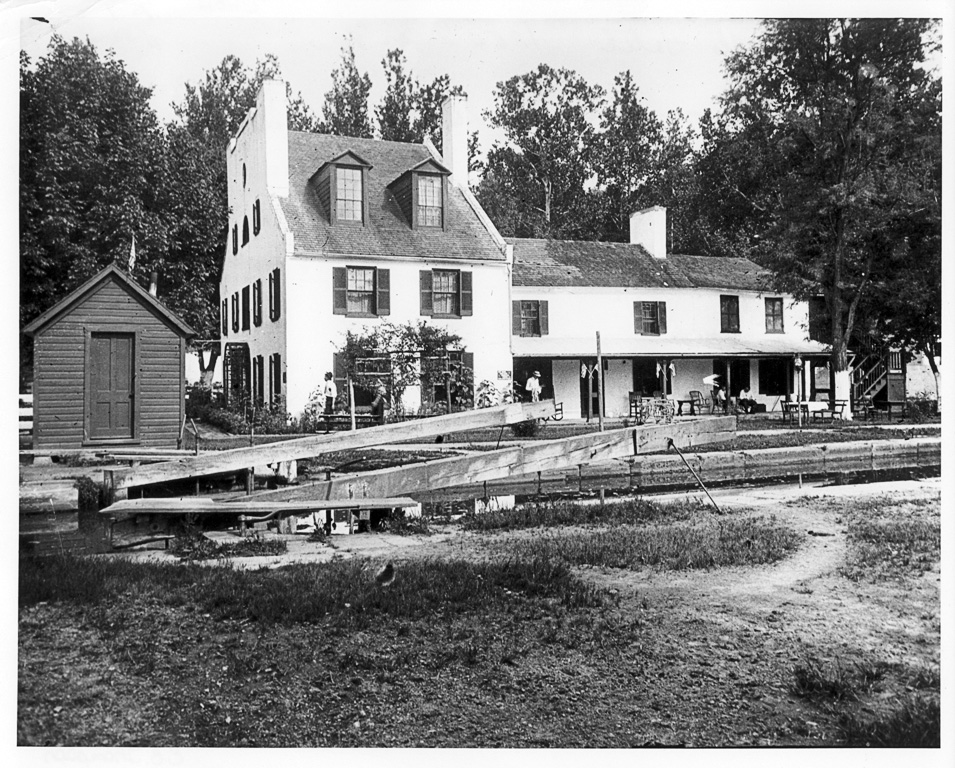 Historic Photo of Great Falls Tavern in 1939