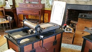 Printing press similar to the one used for parole passes for Confederates at Appomattox CH