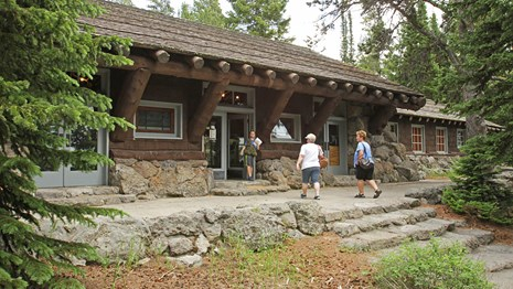 Visitors stopping by Fishing Bridge Visitor Center & Trailside Museum