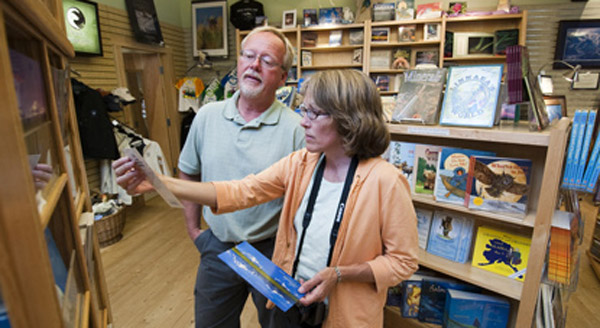 bookstore miller Xem xét thật kĩ trước khi kinh doanh nhà sách qua internet