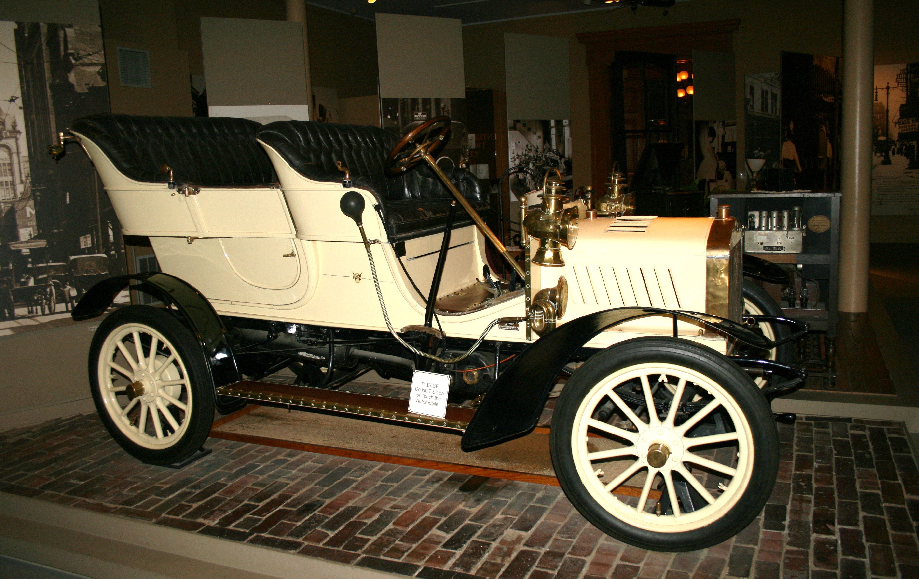 St Louis Model Automobile Made By George Dorris Sr Artifact Of
