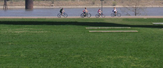 Bicyclers on the Gateway Arch grounds