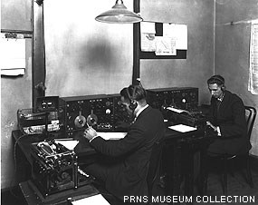 Ship-to-shore Morse operators at the Marshall RCA station in 1923. PRNS Museum Collection.