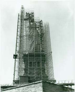 http://www.nps.gov/stli/historyculture/images/Statue-Scaffolding-Copy.jpg